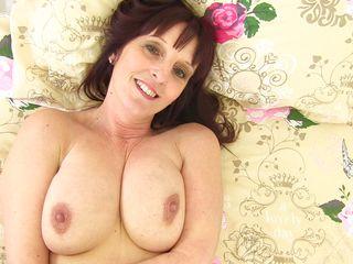 Порно зрелые дамы с большой грудью